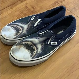 VANS with SHARK Slip On Shoes kids 5.5 / woman 6.5